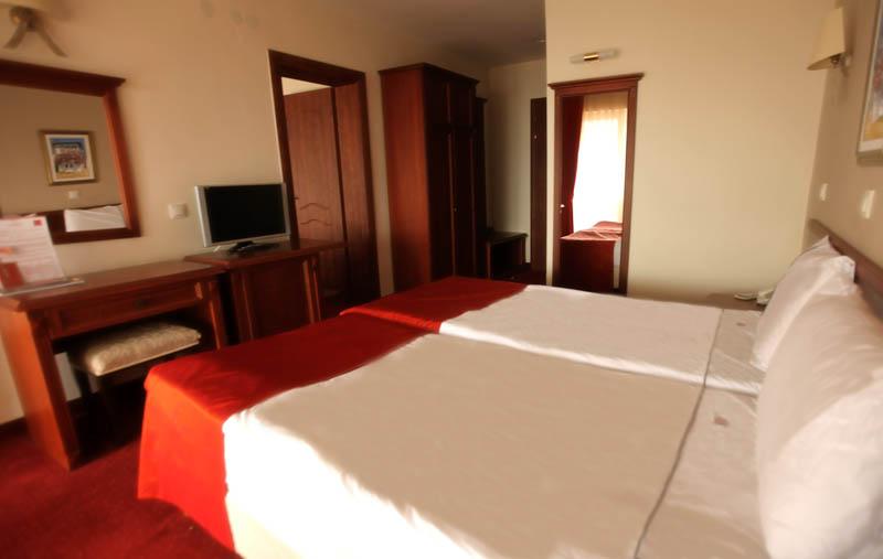 http://hotelbelvedere.com.mk/wp-content/uploads/2015/05/hotel_belvedere_ohrid_apartment-3.jpg