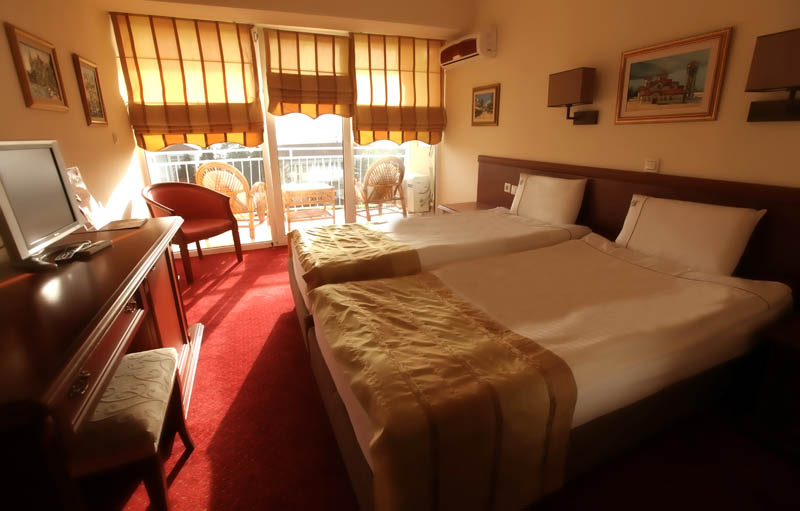 http://hotelbelvedere.com.mk/wp-content/uploads/2015/05/hotel_belvedere_ohrid_standard-6.jpg