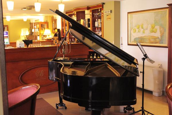 piano bar ohrid